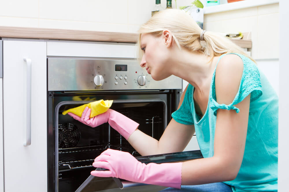 How Do You Clean An Oven Fast?