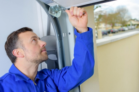 How Much Does It Cost to Repair a Garage Door?